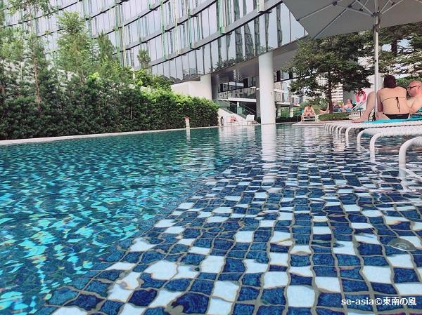 シンガポール-メルキュールシンガポールオンスティーブンス-プール2